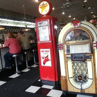 Photo taken at Mary Ann's Diner by Reinny C. on 5/12/2013