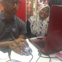 Photo taken at KFC by Yaya I. on 9/8/2016