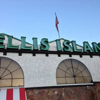 Photo taken at Ellis Island Casino & Brewery by Jac on 3/12/2013