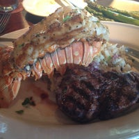 Photo taken at Pappadeaux Seafood Kitchen by Billy A. on 11/20/2012