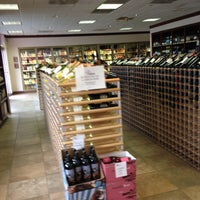 Photo taken at Magnolia's Wines & Spirits by Chris K. on 9/28/2012