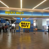Photo taken at Best Buy by Richard T. on 10/4/2013