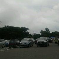 Photo taken at Pasar Besar Dungun by Tuan Zafierah T. on 11/4/2016