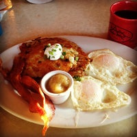 Photo taken at Elmer's Restaurant by Andy C. on 12/29/2012
