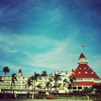 Photo taken at Hotel del Coronado by Suzanne Y. on 11/27/2012