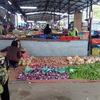 Photo taken at Pasar Borong Kemunting by Ashie A. on 9/12/2014