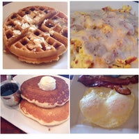 Photo taken at Marie Callender's by Gemma S. on 3/22/2015