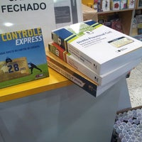 Photo taken at Livraria Saraiva by Eduardo P. on 4/5/2013