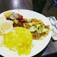 Photo taken at Chowking by Suzzzie S. on 10/1/2015