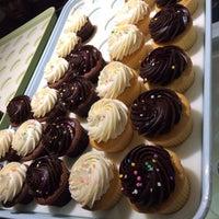 Photo taken at Hello Cupcake by Bibiana G. on 2/22/2014