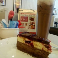Photo taken at Secret Recipe by Fadzillah Z. on 9/14/2016