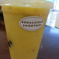 Photo taken at Bobalicious Smoothies by Filaa N. on 1/9/2013