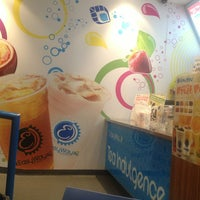 Photo taken at EasyWay Tea by skyelloveink® on 4/2/2013