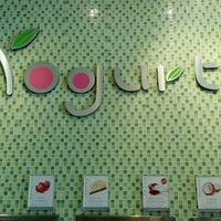 Photo taken at Yogurtland by Edi G. on 9/28/2012