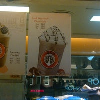 Photo taken at J.Co Donuts & Coffee by Natalia C. on 3/22/2013