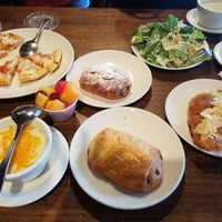 Photo taken at La Madeleine by Joei M. on 8/10/2016