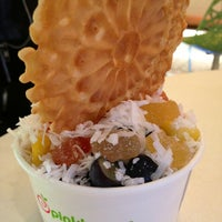 Photo taken at Pinkberry by Kyra on 2/7/2013