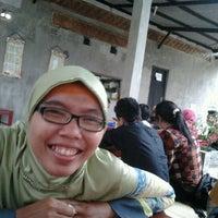 Photo taken at Waroeng Huhah by Sallsa K. on 10/15/2012