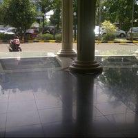 Photo taken at Universitas Esa Unggul by lutfi p. on 1/3/2013