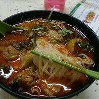 Photo taken at Thai Kwok Snack 泰國小吃 by Genna K. on 5/29/2016