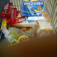 Photo taken at hypermart by Rhomi H. on 10/26/2013