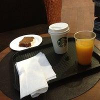 Photo taken at Starbucks by Lanvin L. on 4/22/2013