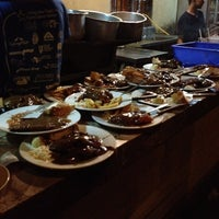 Photo taken at HR Steak House by Mohd Shaharizan™ on 11/17/2012