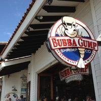 Photo taken at Bubba Gump Shrimp Co. by Gustavo C. on 12/30/2012