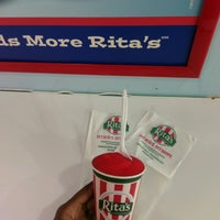 Photo taken at Rita's Water Ice by Shaquoia T. L. on 10/24/2016