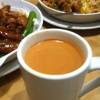 Photo taken at Leslie Café 利是冰室 by Christen 章. on 6/9/2013
