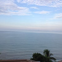 Photo taken at Moonlight Bay Resort Koh Lanta by Gookgik W. on 4/7/2014