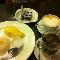 Photo taken at Coffee Arthit by Andrey M. on 11/30/2012
