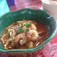 Photo taken at T-Not Laksa by Lily H. on 9/29/2015
