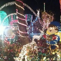 Photo taken at Christmas Light Display (christmasdisplay.org) by Vincent L. on 12/29/2015