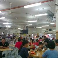 Photo taken at Restoran Sixty Three Kopitiam (63 茶餐室) by Siang Jau C. on 2/8/2014