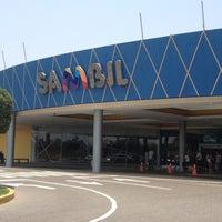 Photo taken at Centro Sambil Maracaibo by Ricardo P. on 4/4/2013