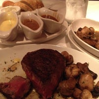 Photo taken at Fleming's Prime Steakhouse & Wine Bar by Dave H. on 12/13/2012