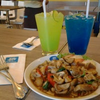 Photo taken at Jiffy Kitchen by arabeer on 9/4/2013