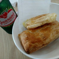 Photo taken at Expresso Pão de Queijo by Andrey K. on 5/5/2016