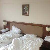 Photo taken at Hotel Mariko Inn by Alexey on 9/5/2013