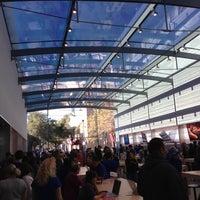 Photo taken at Apple Palo Alto by Justin S. on 10/27/2012