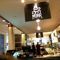 Photo taken at Café Noar by Lulu K. on 9/30/2012