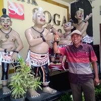 Photo taken at Batik Soga by Rahmad SST on 1/27/2015