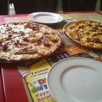 Photo taken at Tommy Pizzas by Naxh L. on 6/4/2013