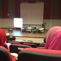 Photo taken at Kolej Sains Kesihatan Bersekutu by Aimi Nas on 3/1/2014