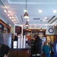 Photo taken at Greenberry's Coffee & Tea by Serottared on 3/3/2014