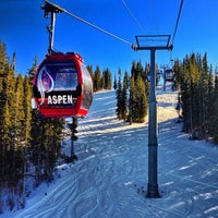 Photo taken at The Sundeck at Aspen Mountain by Graham L. on 11/24/2012