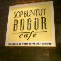 Photo taken at Sop Buntut Bogor Cafe by Jay F. on 9/15/2012