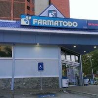 Photo taken at Farmatodo by Gustavo M. on 8/15/2013