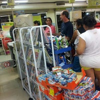Photo taken at Carrefour Bairro by Carlos José Reis S. on 3/28/2013